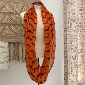 Women's bat 🦇 orange & black Halloween scarf used